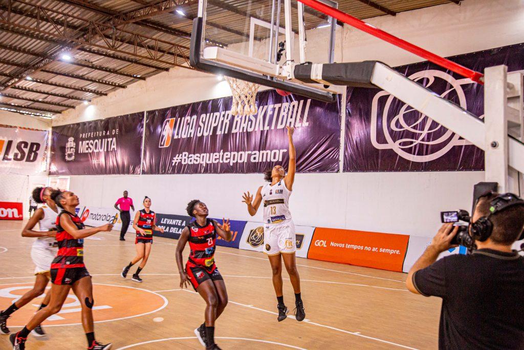 No dia 21 de março, o basquete feminino de Mesquita teve disputa acirrada contra o time do Ituano. Nossas atletas ganharam o jogo de 82 X 77.