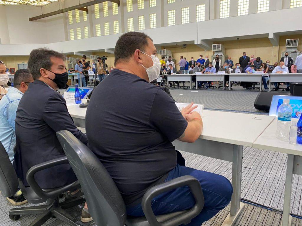 Jorge Miranda e Ricardo Lucena no fórum de prefeitos