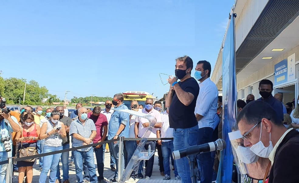 Presidente do CISBAF, Jorge Miranda esteve na inauguração do hospital modular, que disponibilizará mais 150 leitos na Baixada Fluminense.