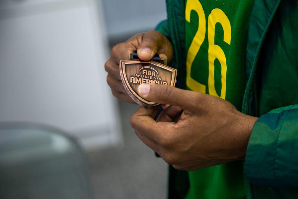 Depois da AmeriCup, tive a oportunidade de receber a medalhista, Thayná Silva. Uma representante de Mesquita no time brasileiro de Basquete.